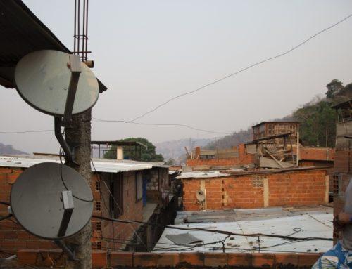 """""""Nueva"""" Organización Industrial de las Telecomunicaciones y el papel de los Reguladores"""