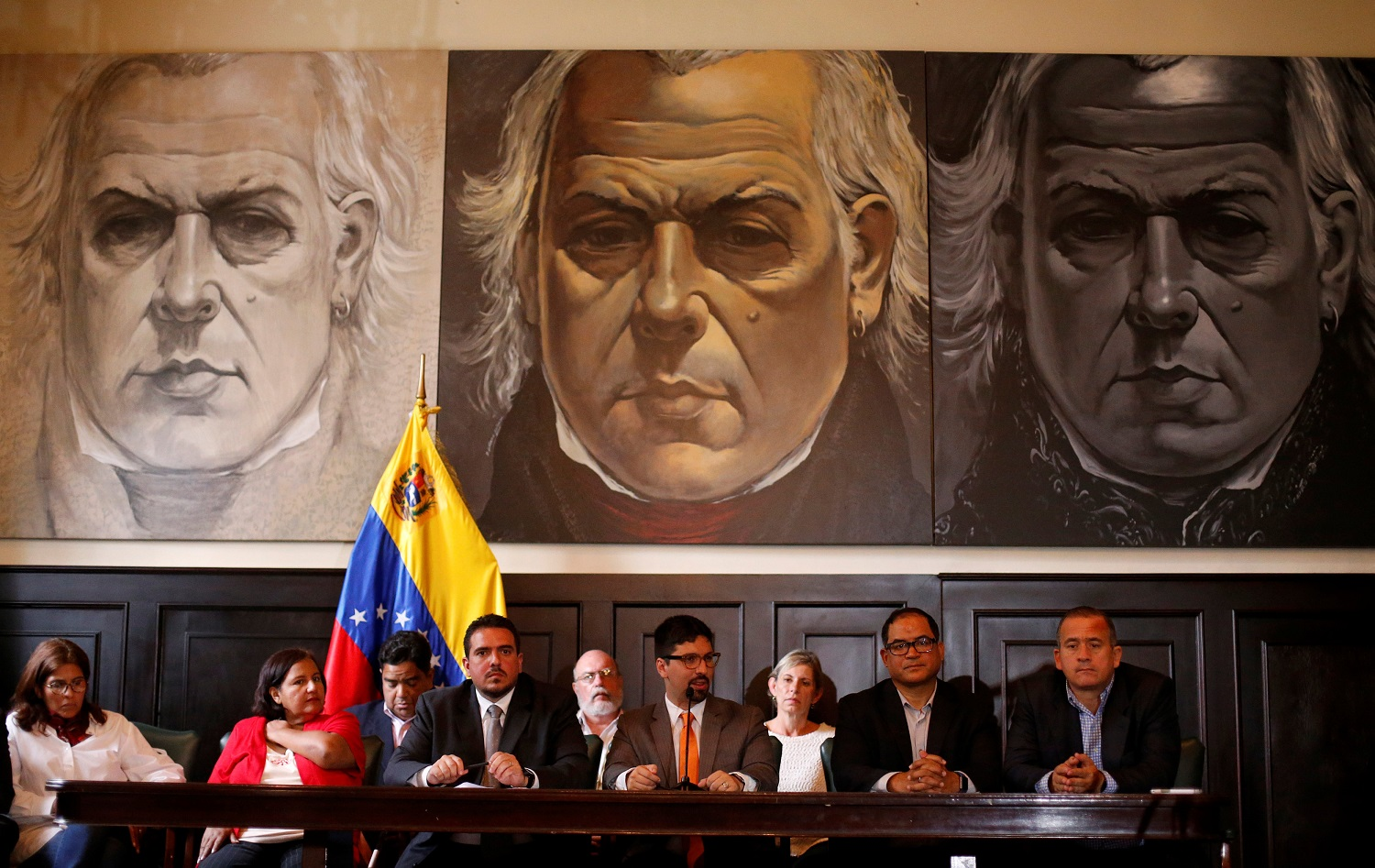 Freddy Guevara (3R), first vice president of the National Assembly makes declarations to the media at the National Assembly in Caracas, August 19, 2017.  REUTERS/Andres Martinez Casares